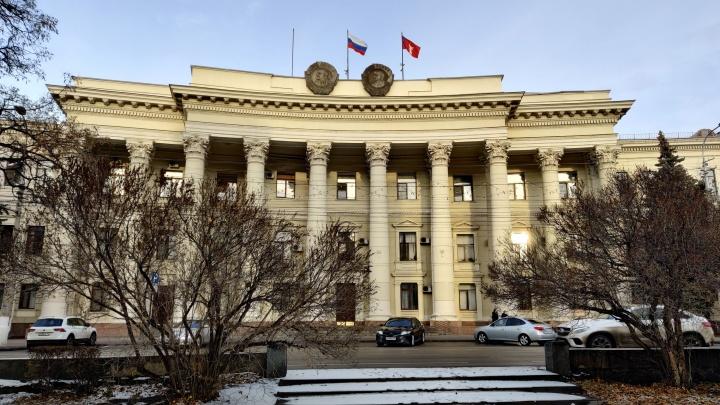 Народный сход в поддержку волгоградского времени собрал всего двоих участников