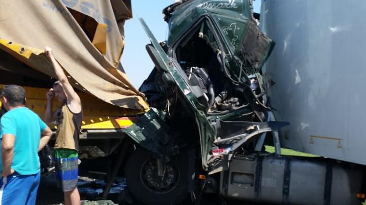 В аварии на трассе Омск — Тюмень пострадали пассажиры автобуса и водитель фуры