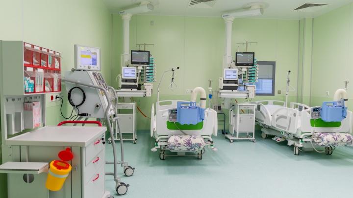 В краевой больнице из-за коронавируса приостановили всю плановую помощь пациентам, включая операции
