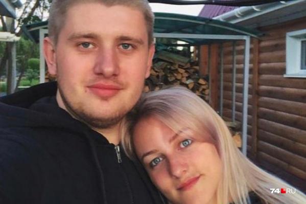 Раненая девушка находится в коме, ее муж требует не выпускать полицейского под подписку