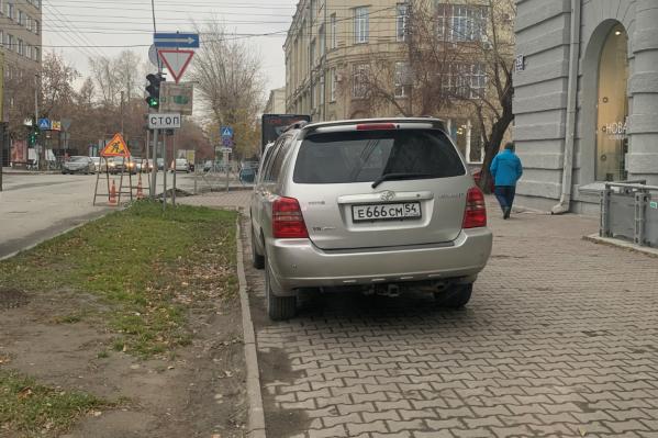 Многострадальный тротуар на Советской