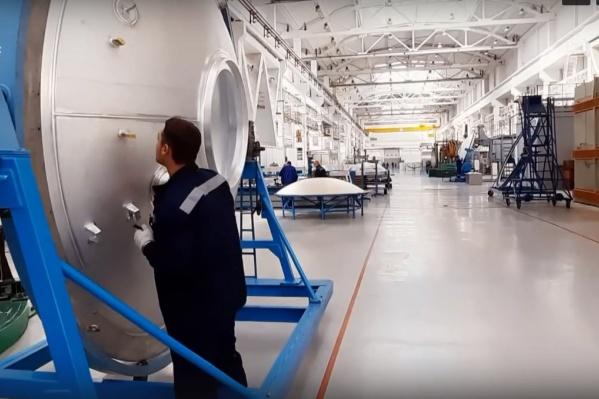 Сейчас универсальные ракетные модули производятся в Омске, а финальные испытания и сборка проходят в Москве