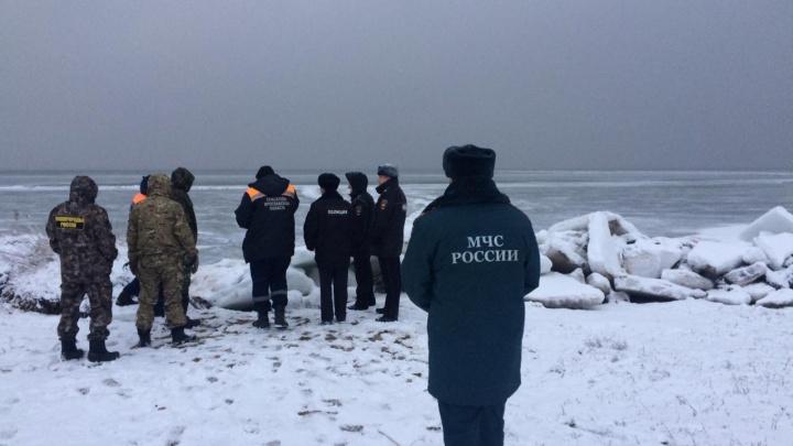 В Ярославской области спасли 10 рыбаков с оторвавшейся от берега льдины: фото и видео