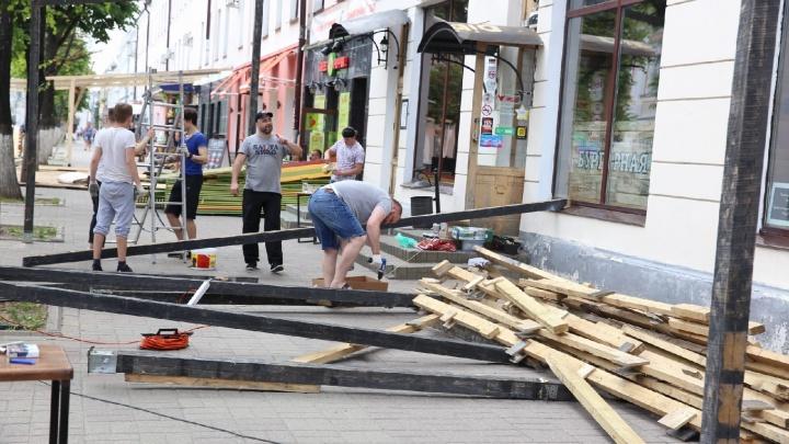Дождались! Рестораны бросились строить летние веранды: кто решил открыться в центре Ярославля