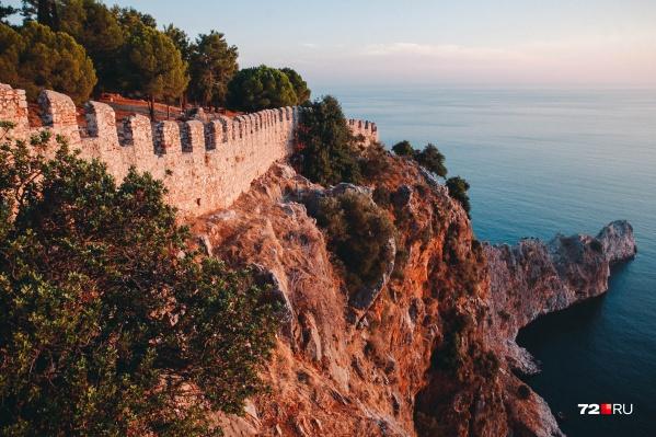При желании окунуться в Средиземное море можно уже в эти выходные