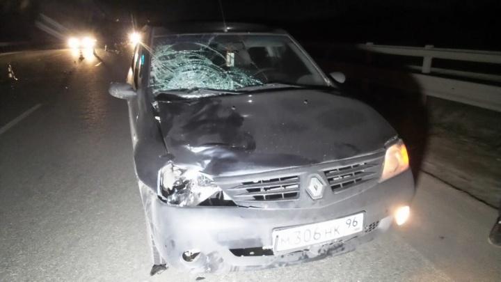 На Серовском тракте автомобилист насмерть сбил парня, который перебегал дорогу