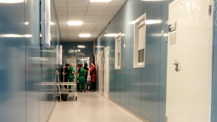 Мужчина выпал из окна в ковидном госпитале ЦГБ Ростова