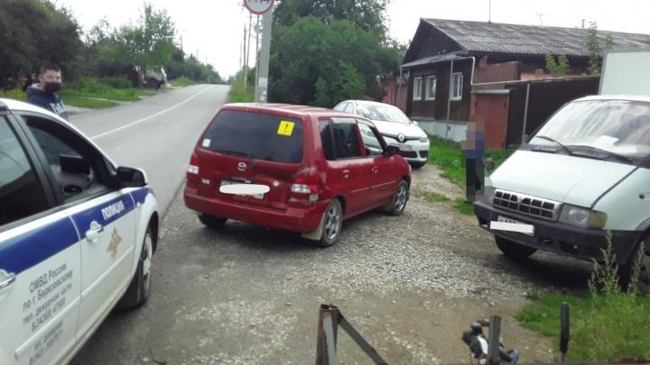 На Урале 10-летний ребенок угнал машину у незнакомой женщины