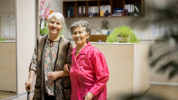 В Новосибирске четвертый год работает пансионат для пожилых людей — что там происходит