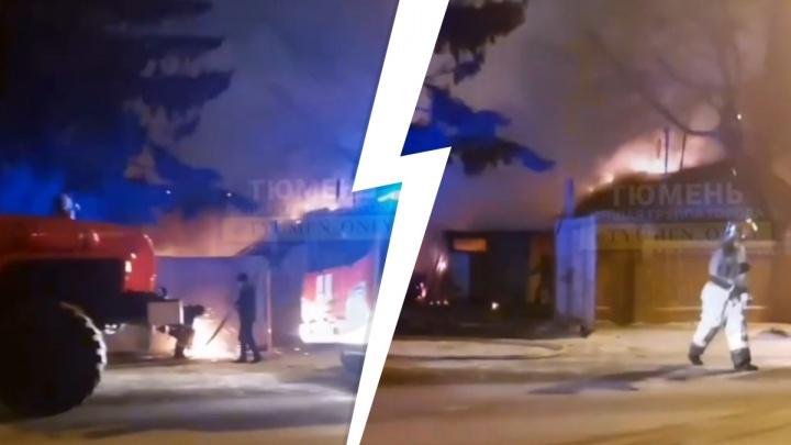Пожарные вскрывали ворота болгаркой: в доме на Депутатской погиб человек