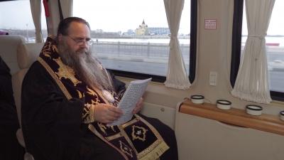 С воздуха освятили, теперь на земле: митрополит Георгий провёл автомобильный крестный ход