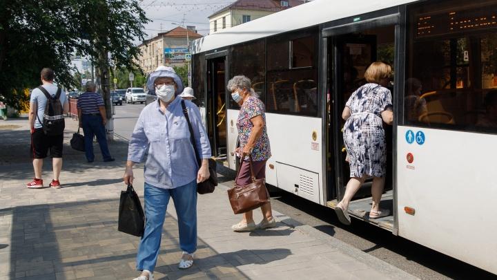 В Волгограде и области с сегодняшнего дня ужесточили масочный режим