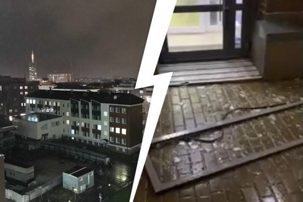 А какие последствия стихии в городе у вас? В одном из домов на набережной вылетела оконная рама