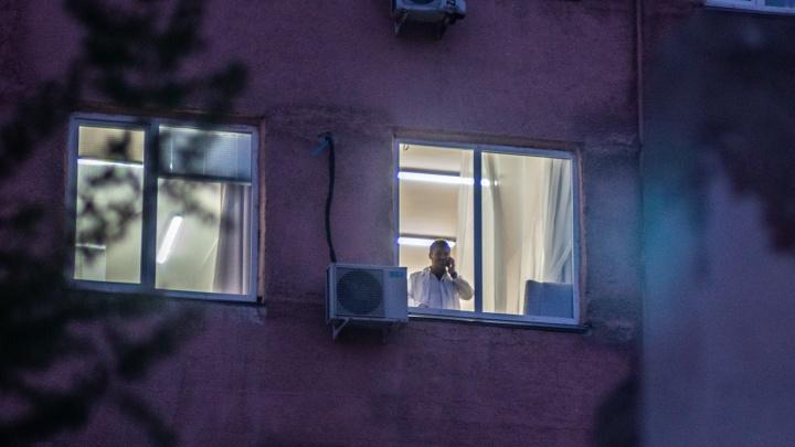 В Омской области 82 человека заболели коронавирусной инфекцией. Один пациент умер