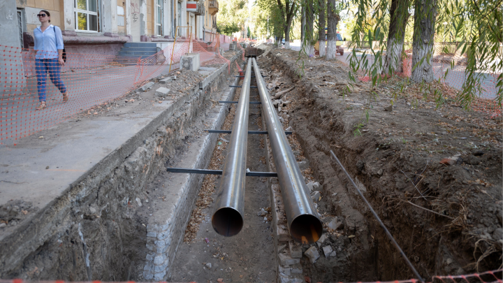 «Опять авария и отключение?»: в Волгограде разрыли малый проспект Ленина