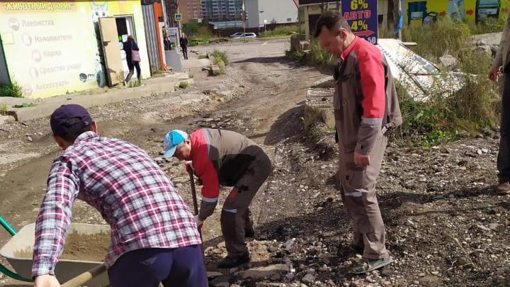 Жители Солнечного снова обращаются к Путину, на этот раз по поводу дороги
