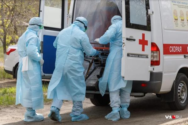 Уже почти три недели в Нижегородской области в день заболевают более 200 человек