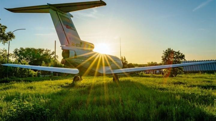 Самолёты, сирень и вечерние прогулки: самые популярные посты Instagram NGS55.RU за минувший месяц