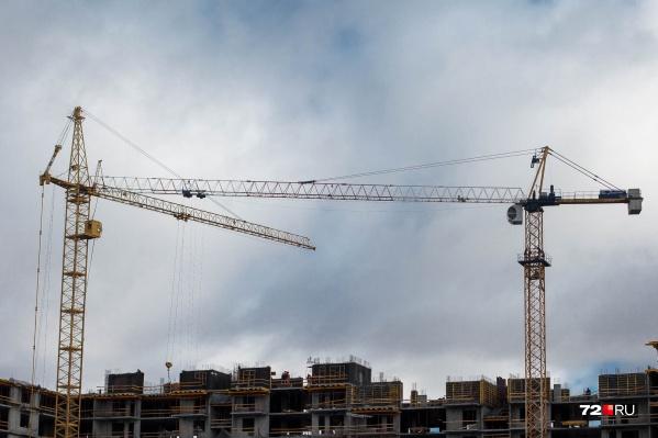 Люди активно покупали квартиры, пользуясь территориальной близостью к городу и низкими процентными ставками