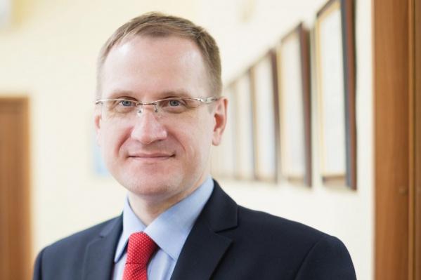 Андрей Борисов управлял театром с 2017 года в качестве исполнительного, а с 2019 года — генерального директора