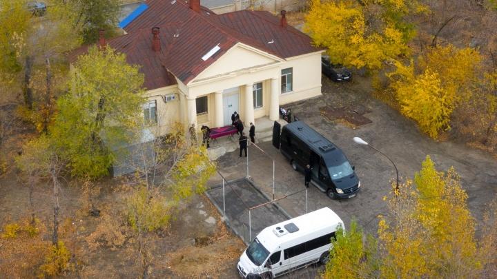 196 человек заразились COVID-19 в Волгограде и области за сутки. Умер один