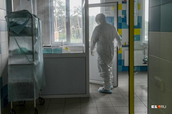 Врачи не смогли спасти 163 пациента с коронавирусом