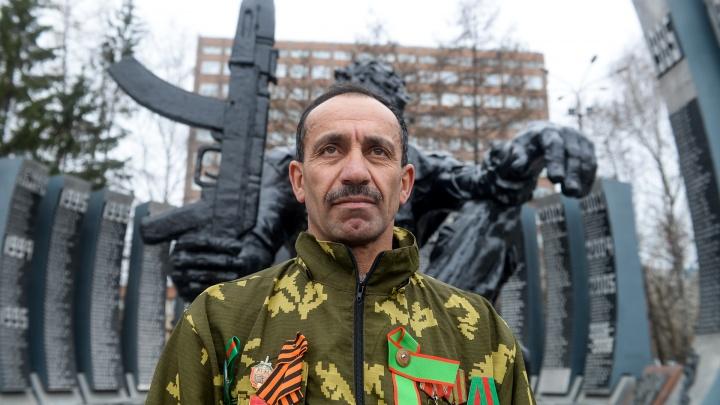 Из героев в гастарбайтеры: таджикские бойцы легендарной погранзаставы воюют с уральскими чиновниками
