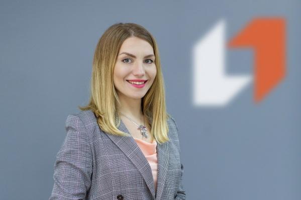 Начальник управления массового сегмента ПСБ в Ярославле Ирина Егорова в новом офисе для бизнес-клиентов