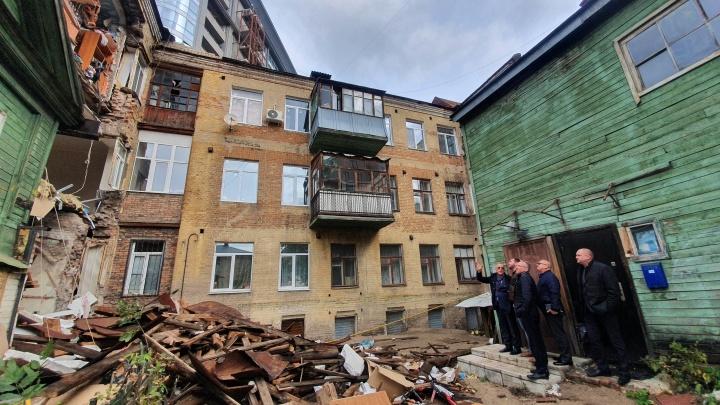 Фасад дома на Галактионовской, где рухнула несущая стена, укрепят металлом