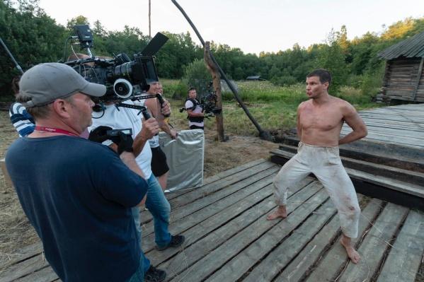 Новосибирский мим Андрей Кислицин сыграл главную роль в необычной короткометражке про гитлеровцев