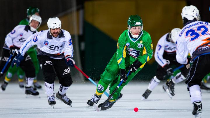 «Водник» вышел в полуфинал чемпионата России по хоккею с мячом