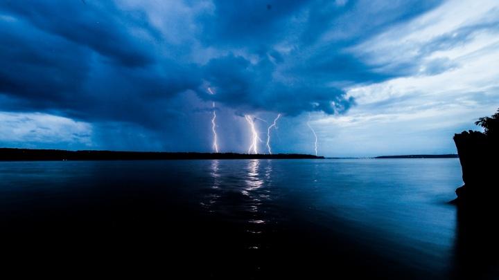 МЧС предупредило об ухудшении погоды — жителей Прикамья ждут гроза и сильный ветер