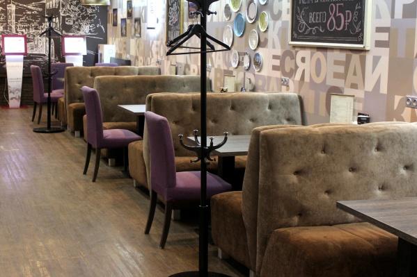 Руководители новосибирских ресторанов отмечают, что у них уже стало на 20–30% меньше посетителей