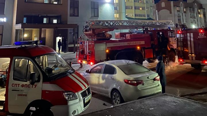 Пожар в высотном доме в Дзержинске потушен: 70-метровая квартира выгорела полностью