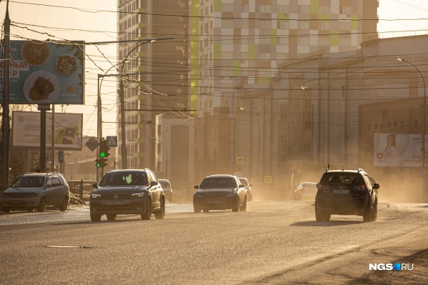 В Новосибирске будут бороться с пылью при помощи нового специального раствора