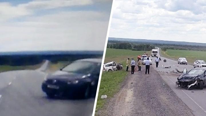 Безрассудная попытка обгона на Пермском тракте привела к смертельной аварии: видео с регистратора