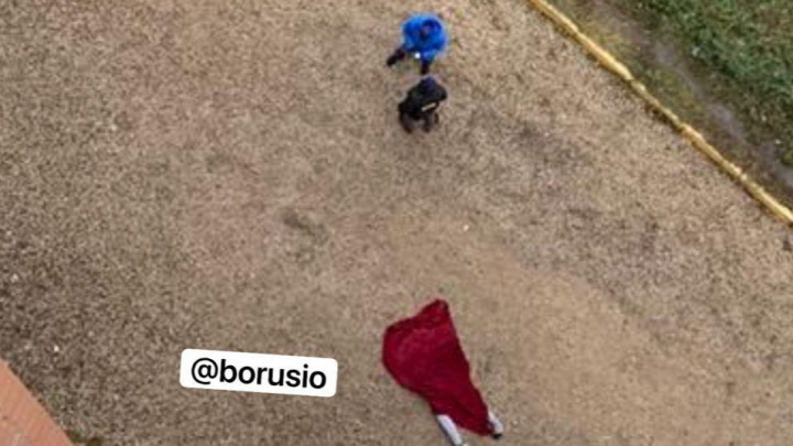 Мужчина сорвался с балкона и разбился при попытке сбежать от силовиков