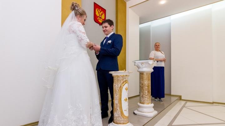 Кузбасские пары, которые поженятся на День шахтёра, получат подарки