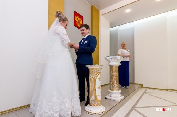 Традиционно в День шахтёра в Кузбассе женятся много пар