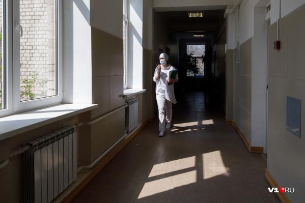 Число заболевших и госпитализированных в Волгограде катастрофически растет