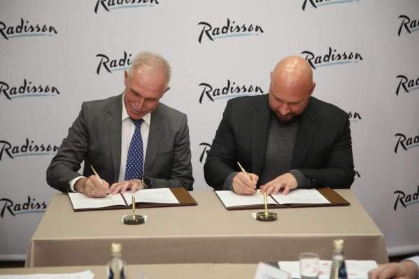 На встрече также было подписано соглашение между Ульяновской областью и Корпорацией «Кошелев»