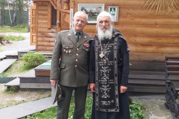 В первый же день своего нахождения в Екатеринбурге Владимир Квачков приехал в Среднеуральский монастырь