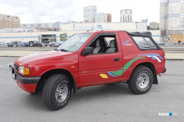 Так выглядит Opel Frontera A SPORT Soft Top 1994 года выпуска. А вы бы сели за руль такого экстравагантного авто?