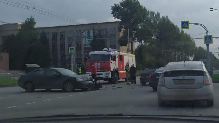 Пострадала трехлетняя малышка: на Амундсена лоб в лоб столкнулись Mitsubishi и ВАЗ