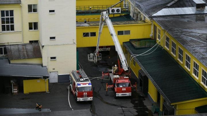 Пожар на СМАКе локализовали спустя два часа: главное о ЧП на хлебозаводе