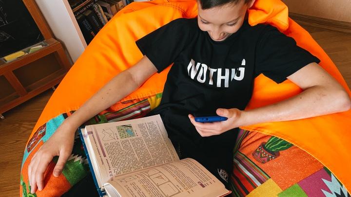 В челябинском Минобре ответили на вопросы о продлении учебного года и слишком большом объёме «домашки»