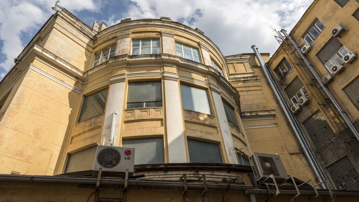 Окна только с защитой от коктейлей Молотова: смотрим, что появится в ЦУМе Волгограда после реконструкции