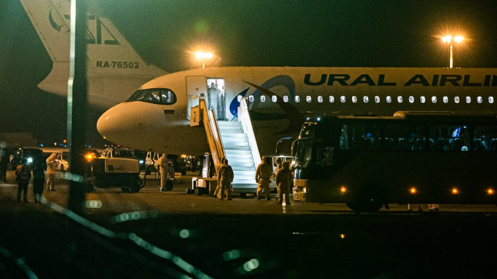 Большая часть пассажиров сошла в Ростове: в Кольцово приземлился самолёт с туристами из Израиля