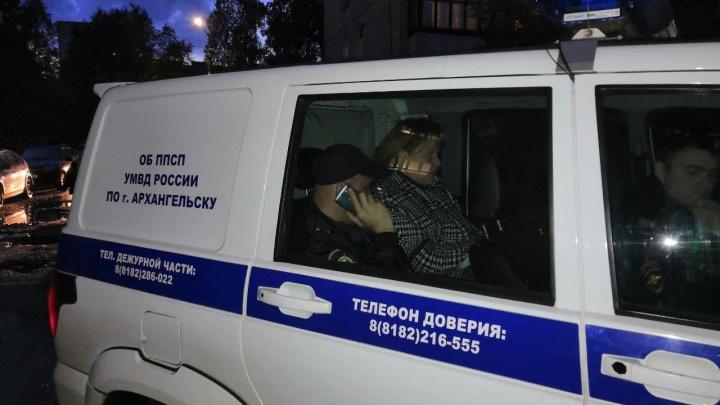 В Архангельске полицейские задержали экоактивистку