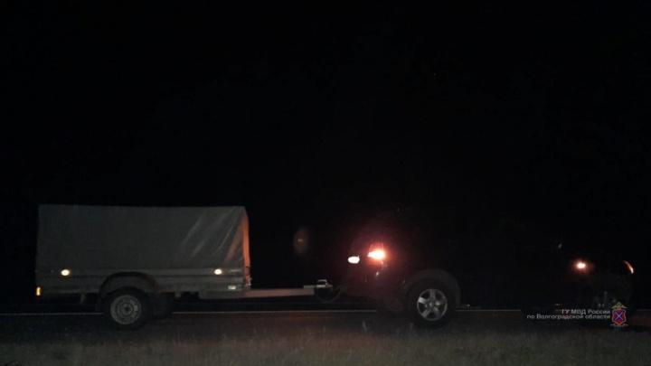 Водитель из Ярославля под Волгоградом сбил насмерть перебегавшую трассу женщину